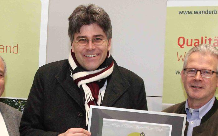 Zertifikatsübergabe Albsteig CMT 2018 Bild Helmut Ulrich